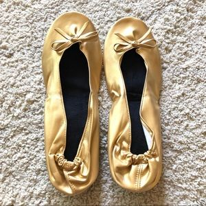 Shoes - Gold ballet foldable slippers with mesh bag NWOT